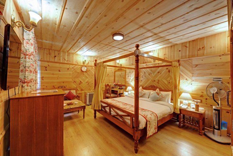 Standard Room (Southside Chamber)