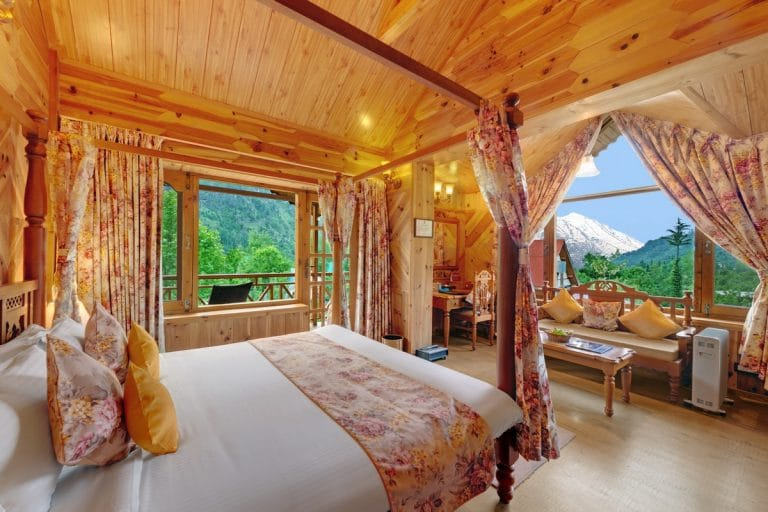 Deluxe Rooms Rohtang View Rooms